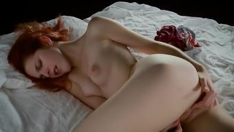 Bones masturbating - AmarnaMiller -