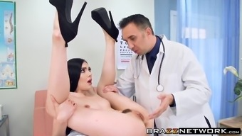 Generous Marley Brinx is keen to actually excursions large piece of equipment