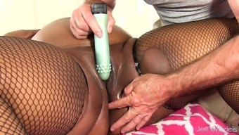 Matchless BBW Peaches Like Has Her Meat Human body and Clit Massaged