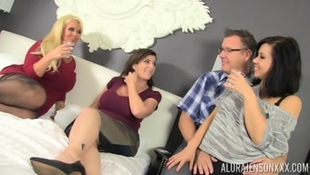 Sector intercourse along with Alura Jenson, Kimmy Lee and Sara Jay