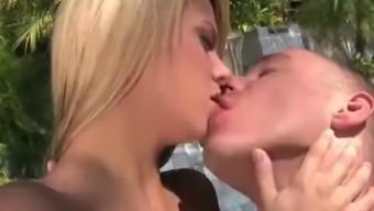 Hot Ashlynn Brooke (HUUU)