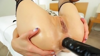 empty hanna has her booty hole and nose riuned by a colossal double-headed dildo