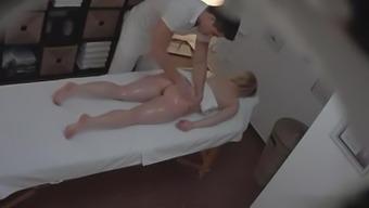Big tits Blonde Fucks inside a Massage session Parlor