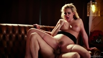 Superior pussy nailing by using Phoenix Marie and Toni Ribas