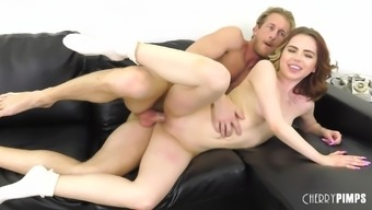 Petite dame Alina West is happy to create a elevate stiff