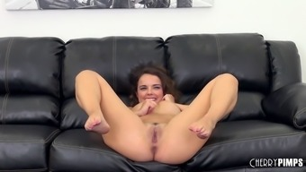 Sizzling hobo Dillion Harper gets stopped on throwing couch
