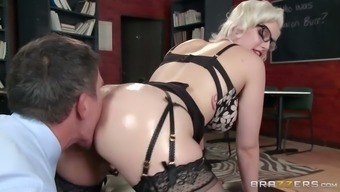 Perverted chief brushes anus of delectable flaxen secretary and then entrance fucks her tough