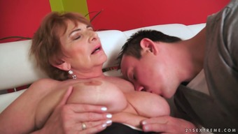 Old whore Sara natalie renne jo kasia G gets her pussy licked and fucked