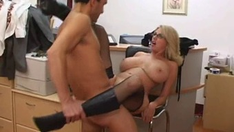 Age desk gets ejaculate on top of her large tits