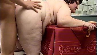 Foul fat mature slut goes crazy making out part4