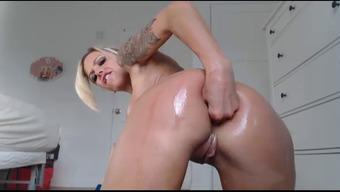 Big tits Inked Blond Dildo Bate
