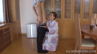 Japanese wifey Miku Sunohara shows her cock-sucking skills to some guy
