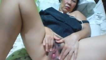 Filipino granny 58 fucking me foolish on cam. (Manila)1