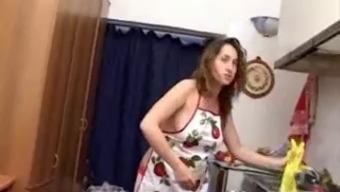 gets pregnant - Conversational italian Homemaker Makes sense Her Money owed