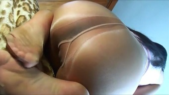 Severely pack up of pantyhose gusset