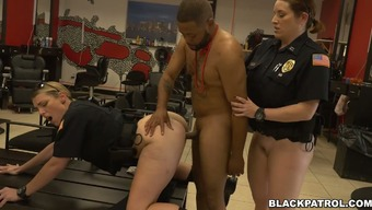 Feeling thirsty for incline cops fuck black porn star with major D