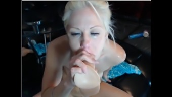 Hollow Hanna's throat gagging really hard