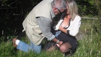 Newbie grow older granny fucked outdoors