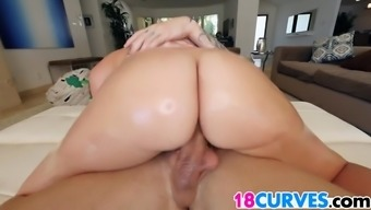 Phat ass Maddy Oreilly gets fucked