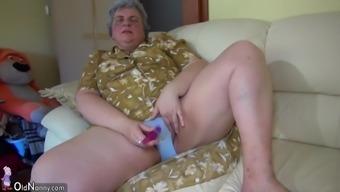 OldNanny Pretty love and fat granny masturbating simultaneously