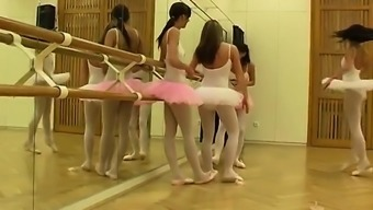 Great bungle clubhouse xxx Warm dance girl orgy
