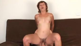 Nasty voracious MILF gets her hairy twat fucked hard