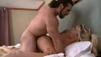 Nicely shaped shemale Aubrey Kate deserves missionary analfuck