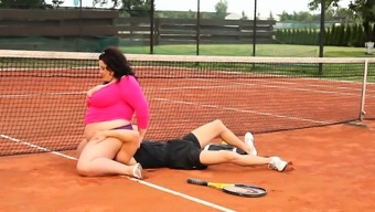 Blubbery chubby chick face sits tennis coach