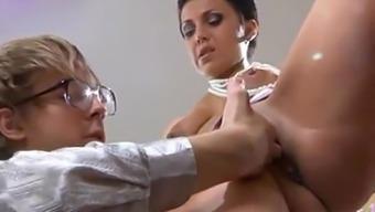 Hot offenseman MILF teaches her assitant about sex