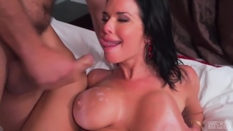 Horny bloke direct to farming busty dark MILF Veronica Avluv