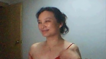 Mimi from Rural china plays and shows on web camera
