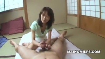 Penis Starving for Nippon Cougar Toshie Enami