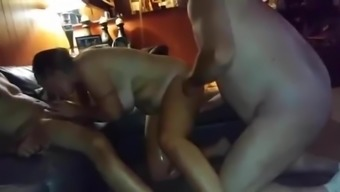Wifey squirts 2times