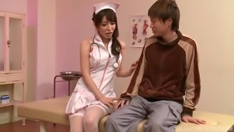 Japanese people baby Kazama Yumi you like an acquaintance by playing with his elevate