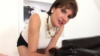 Adulterous english mature lady sonia pops out her gia43vJZ