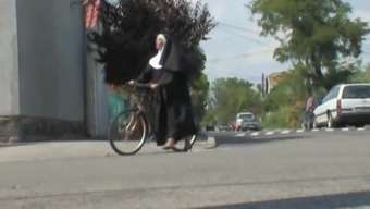 Jane Stone - Nun pays for her bicycle repair in kind