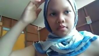 Farhana Hanis Shake Big Boobs, Melayu