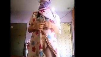 Super Hot Boobs Girl Nude Selfie
