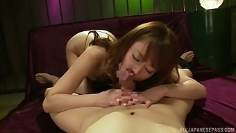 Wild fucking between stripper Yoshizawa Akiho and a client