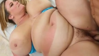 Large Booty Mother Gets Bronzed and Fucked in Miami