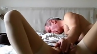 MILF gives 69 BJ and gets fucked