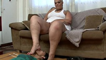 Huge bad fats blonde milf by using a leg fetish gets pleasured