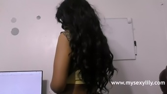 Astonishing Indian Version Babe Lily Grimy Sexual intercourse Chat In Tamil