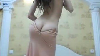 ArabPrincess Camgirl with Plunder Cleavage