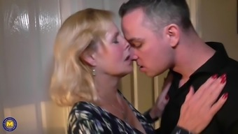 mother molly gets your vaginal and oral sex with youngster