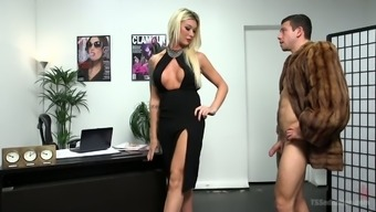 Big and gangly Tgirl Aubrey Kate gonna fuck the other stuff like that out of her dude